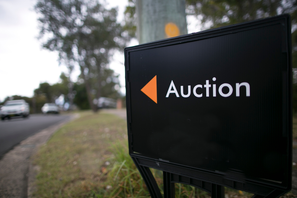Home Auction Sign